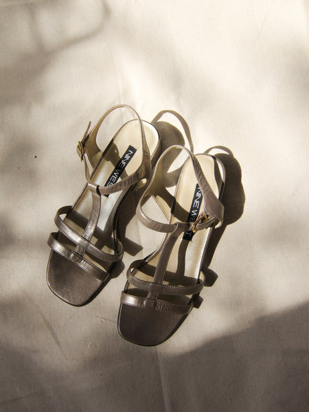 Metallic Leather Sandals (6.5)