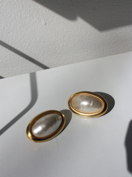 Oval Pearl Clip-Ons