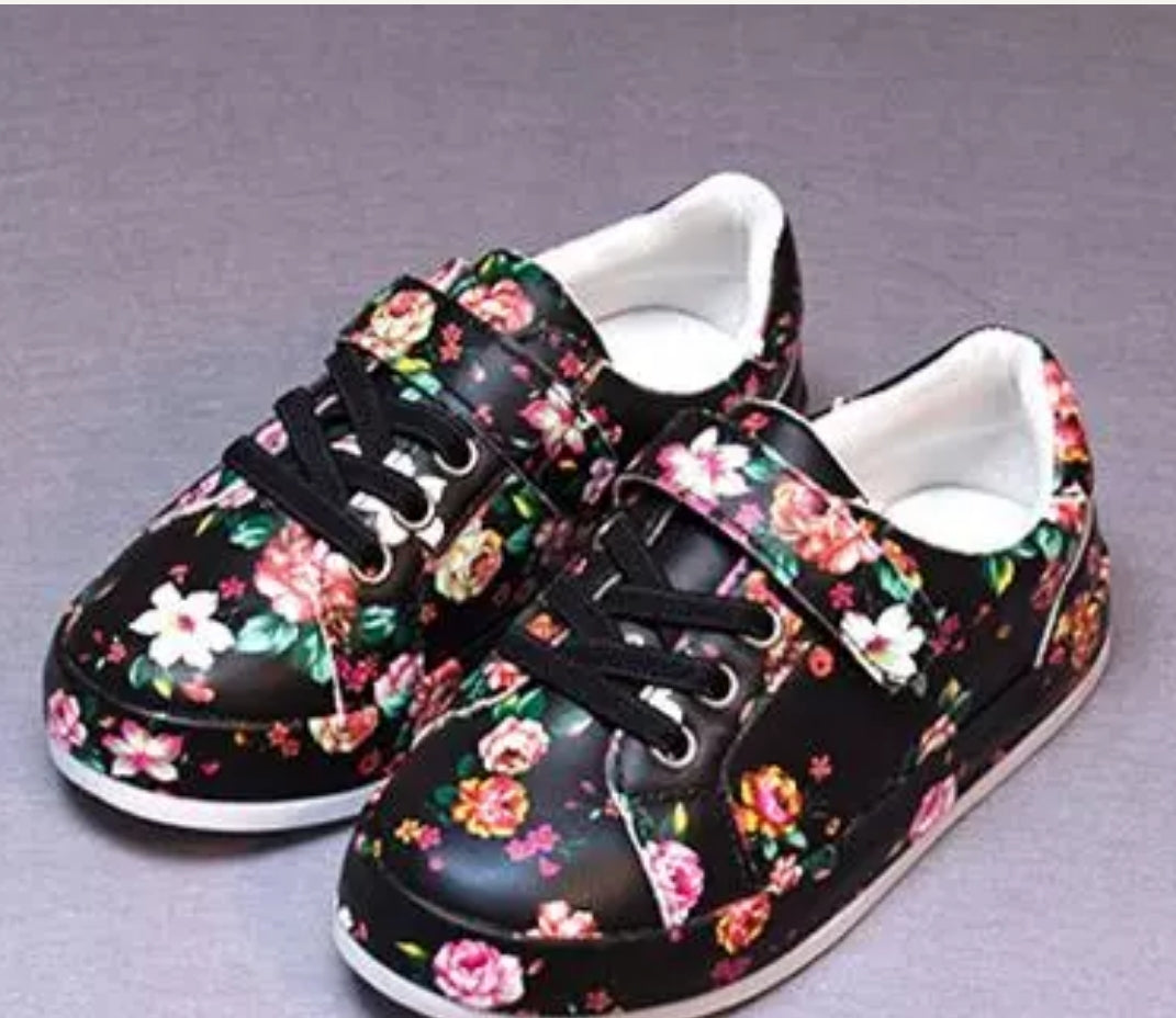 Girls Black Floral Shoe