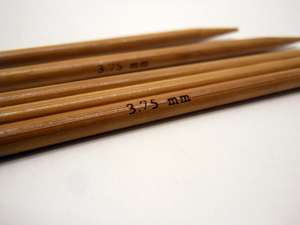 Double Pointed Bamboo Knitting Needles Sizes US 0-8 Metric 2mm - 5mm Extra Short 5""