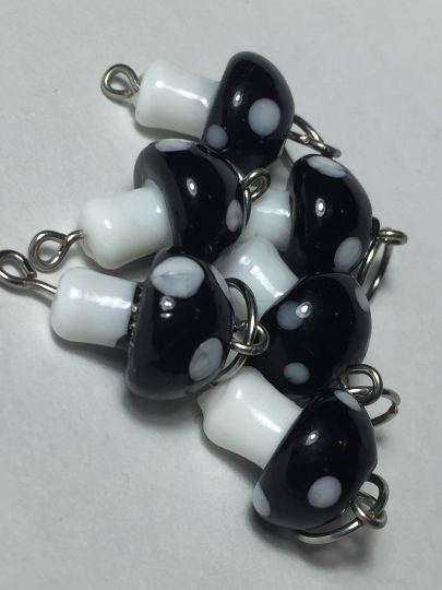 Handmade Lamp Work Glass Stitch Markers ~ Black & White Mushrooms ~ Set of 6