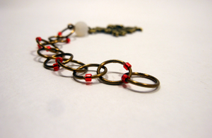 Snagless Beaded Chain Row Counter ~ Queen of Hearts