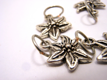 Handmade Silver Metal Stitch Markers ~ Silver Flowers ~ Set of 6