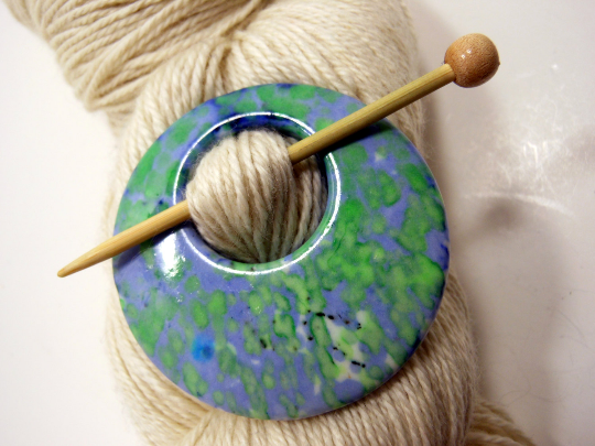 Skipping Stones 24975 Shawl Pin ~ Porcelain