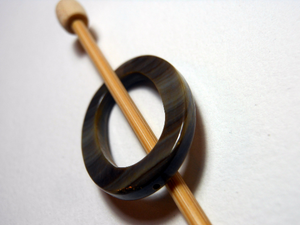 "Mother of Pearl Oval Shawl Pin ""Tarn"""