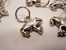 Handmade Silver Metal Stitch Markers ~ Tiny Frogs ~ Set of 6