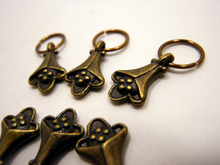 Handmade Antique Bronze Metal Stitch Markers ~ Trumpet Vine ~ Set of 6