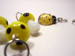 Handmade Lampwork Glass Stitch Markers ~ Under a log ~ Set of 6 Mushroom and Beetle Stitch Markers ~ Yellow and Black