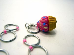 Handmade Snagless  Metal Stitch Markers ~ Vanilla Cupcake with Pink Frosting ~ Set of 10