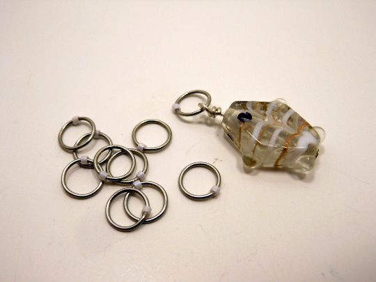 Handmade Snagless Metal Stitch Markers ~ White and Gold Glass Fish ~ Set of 10 ~ Fish with Snagless White Markers