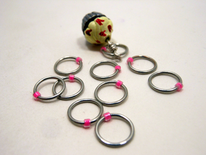 Handmade Snagless Metal Stitch Markers ~ White and Red Frosted Cupcake  ~ Set of 10 ~ Cupcake with Snagless Pink Markers