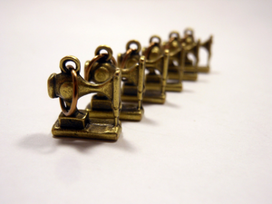 Handmade Antique Bronze Metal Stitch Markers ~ Vintage Sewing Machines ~ Set of 6