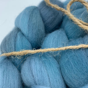 Hand Dyed 100% Australian Merino Wool Roving 4oz: Silent Sea