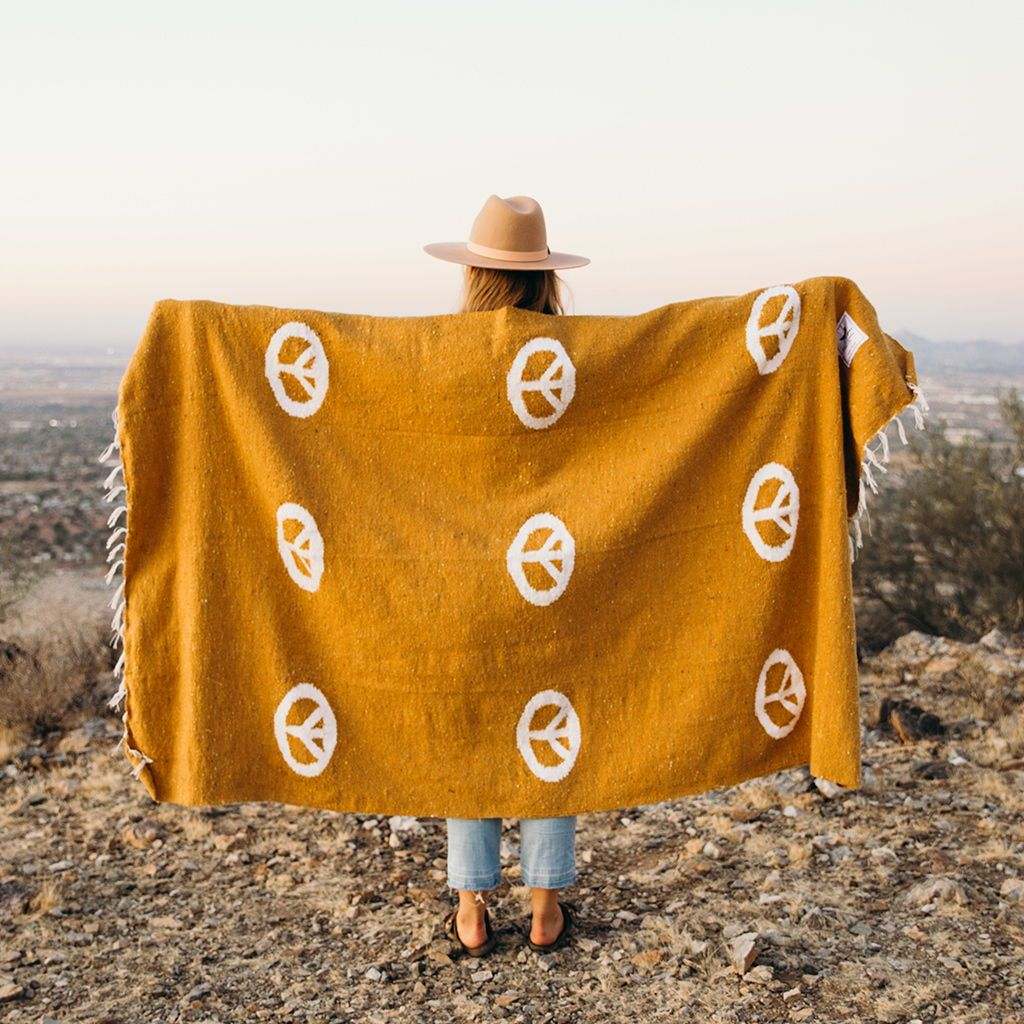 Peace Blanket - Gold | Trek Light