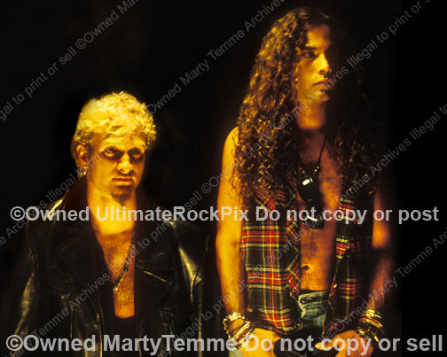 Photo of Layne Staley and Mike Starr of Alice in Chains during a photo shoot in 1991 by Marty Temme