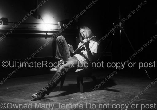 Black and white photo of Jerry Cantrell during a photo shoot in 1996 by Marty Temme