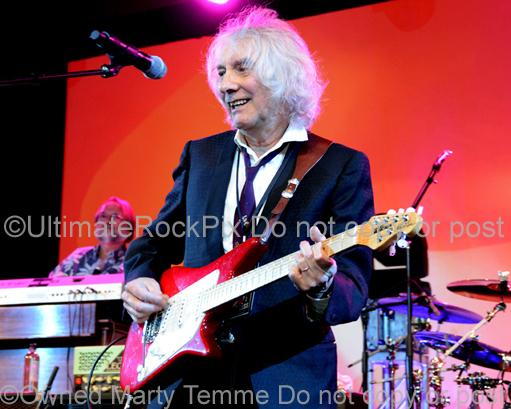 Photos of Guitarist Albert Lee in Concert by Photographer Marty Temme
