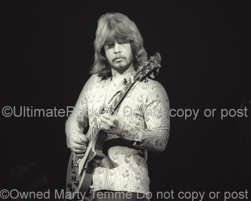 Photo of Barry Bailey of The Atlanta Rhythm Section in concert in 1978 by Marty Temme