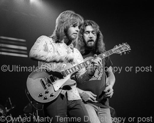 Photo of Ronnie Hammond and Barry Bailey of Atlanta Rhythm Section onstage in 1978