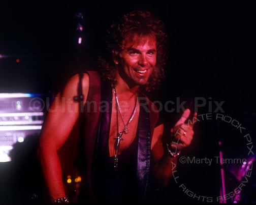 Photo of keyboardist Jonathan Cain of Bad English in concert