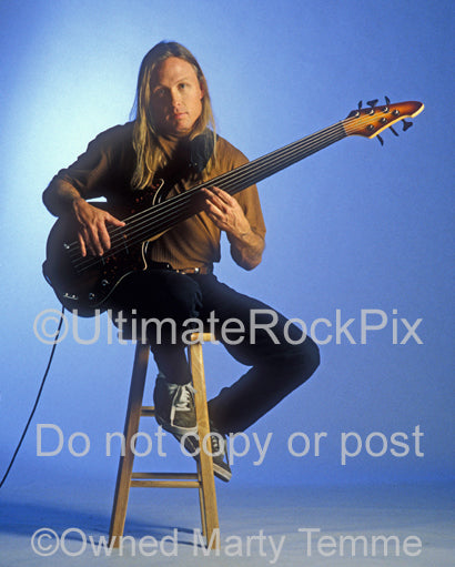 Photo of Steve Bailey during a photo shoot with his Aria Pro II bass by Marty Temme