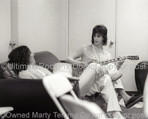 Black and white photo of Chris Robinson and Steve Gorman of The Black Crowes backstage by Marty Temme