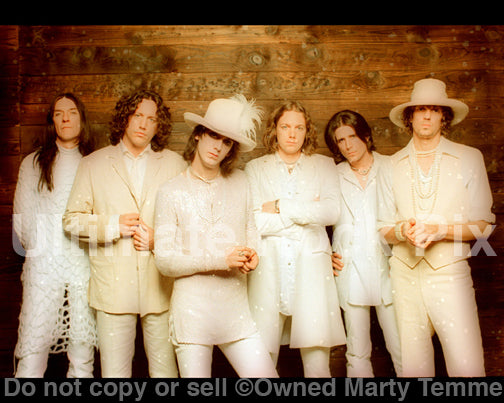 Photo of the band The Black Crowes during a photo shoot in 1998 by Marty Temme