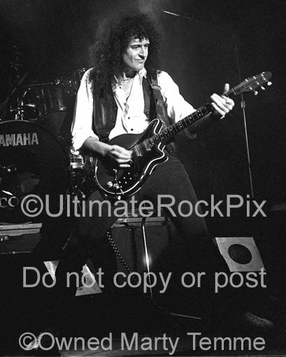 Black and White Photos of Guitar Player Brian May of Queen in Concert in 1993 by Marty Temme