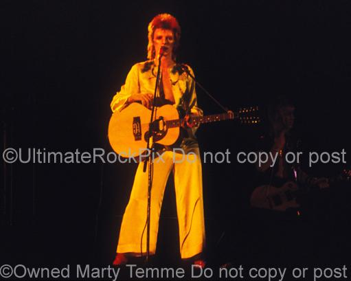 Photos of David Bowie Playing an Acoustic Moonstone Guitar in 1973 by Marty Temme