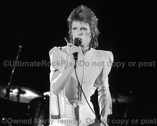 Black and white photo of David Bowie in concert in 1973 by Marty Temme
