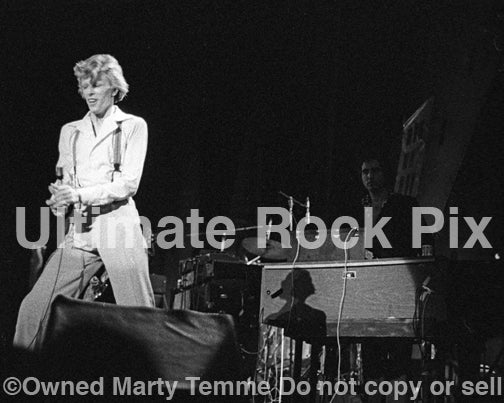 Black and white photo of David Bowie and Tony Kaye in concert in 1974 by Marty Temme