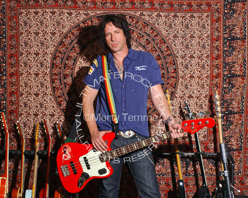 Photo of Jimmy Ashhurst of Buckcherry during a photo shoot in 2008 by Marty Temme