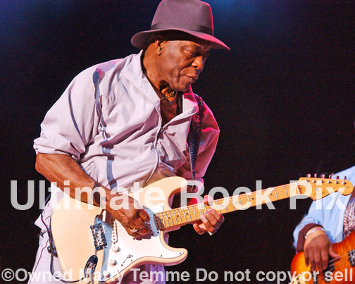 Photo of blues guitarist Buddy Guy in concert - buddy080521