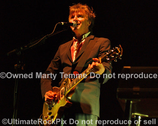 Photo of Neil Finn of Crowded House in concert in 2007 by Marty Temme