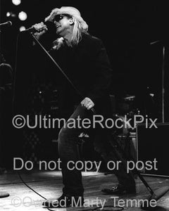Photos of Vocalist Robin Zander of Cheap Trick in Concert in 2006 by Marty Temme