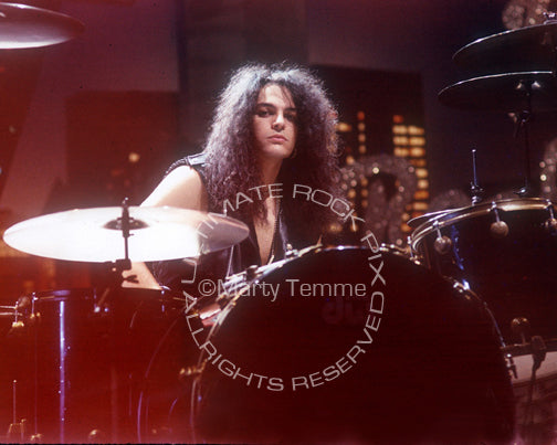 Photo of Fred Coury of Cinderella during a photo shoot in 1990 by Marty Temme