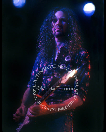 Photo of guitarist Audley Freed of Cry of Love in concert in 1994 by Marty Temme
