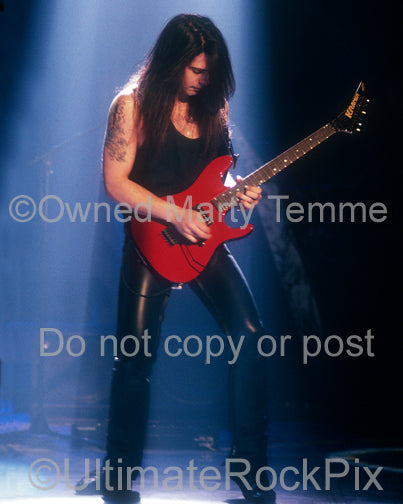 Photo of guitarist Pete Friesen of Alice Cooper in 1990 by Marty Temme
