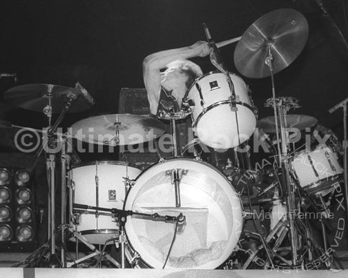 Photo of drummer Rat Scabies of The Damned in concert in 1988 by Marty Temme