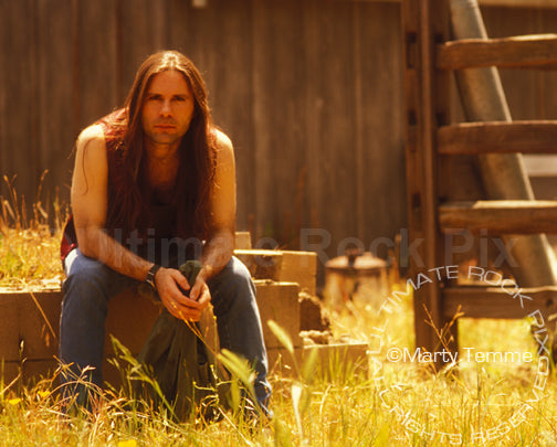 Photo of Bruce Dickinson during a photo shoot in 1994 by Marty Temme