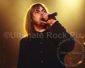 Photo of singer Don Dokken of Dokken performing in concert in 1995 - dokkendon1