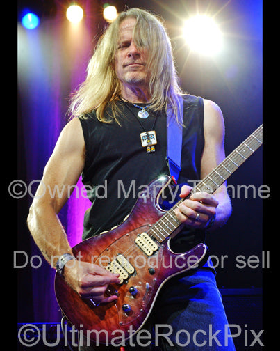 Photo of Steve Morse of Deep Purple in concert in 2007 by Marty Temme