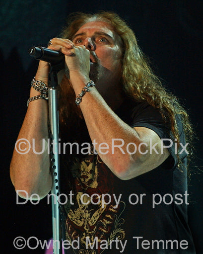 Photo of James LaBrie of Dream Theater in concert in 2009 by Marty Temme