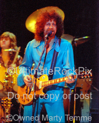 Photo of Jeff Lynne of Electric Light Orchestra in 1977 by Marty Temme