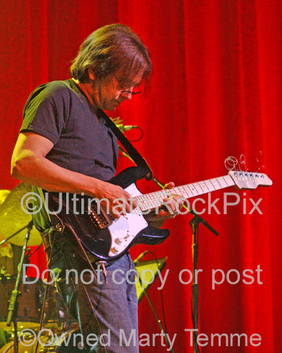 Photo of guitarist Wayne Krantz of Steely Dan in concert by Marty Temme