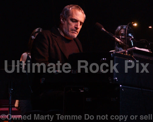 Photo of Donald Fagen performing in concert by Marty Temme