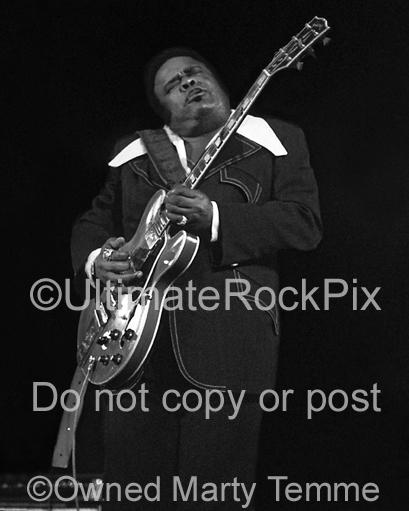 Black and White Photos of Blues Guitar Legend Freddie King in Concert in 1973 by Marty Temme