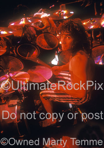 Photo of Kelly David-Smith of Flotsam and Jetsam in concert in 1988 by Marty Temme