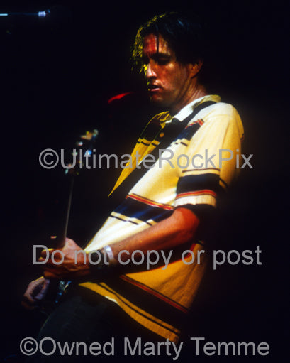 Photo of Scott Hill of Fu Manchu in concert in 2002 by Marty Temme