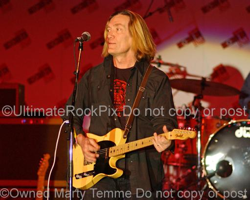 Photos of Guitarist G.E. Smith of Bob Dylan and Hall and Oates in Concert by Marty Temme